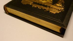 huge file Old_book_with_gilded_page_edges by Anonimski WC CC3